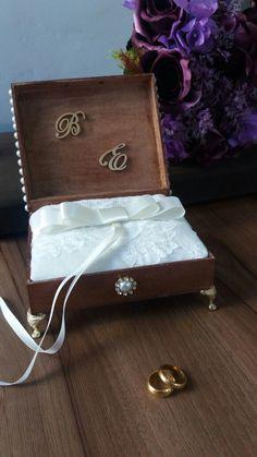 Caixa porta alianças, rustico e sofisticado  com almofadinha