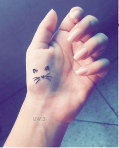 Imagem de girl, dress, and nails