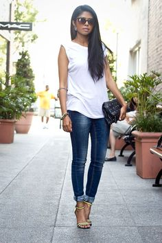 skinny jeans and white tee