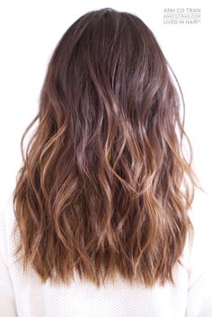87 unique ombre hair color ideas to rock in 2018 - Hairstyles Trends Brown Hair Balayage, Brown Ombre Hair, Ombre Hair Color, Hot Hair Colors, Armpit Length Hair, Long Length Hair, Jessica Alba Haar, Medium Hair Styles, Curly Hair Styles