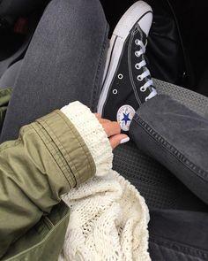 #details #converse #blackconverse #knittedsweater #whitenails