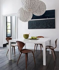 From formal dining rooms to college dorm rooms, the Parsons table fits into every interior. Inside, find our favorites. Futuristisches Design, Deco Design, House Design, Design Ideas, Media Design, Garden Design, Casa Hipster, Decoracion Low Cost, Sweet Home