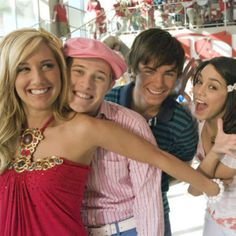 Ashley Tisdale, Vanessa Hudgens, Zac Efron, and Lucas Grabeel in High School Musical 2 Troy Bolton, Hamilton Musical, Zac Efron, Music Background, Hight School Musical, Wildcats High School Musical, Gabriella High School Musical, Film Musical, Old Disney Channel