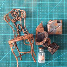 Tutorial by WeLoveMiniatures on how to make faux rust effect using cinnamon…