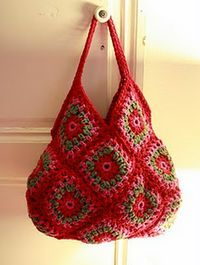 im pretty sure the tutorial for this is in Russian, but i'll be damned if that stops me from making this EPIC granny square purse! haha