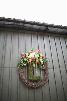 Florist: The Perfect Poppy - http://www.stylemepretty.com/portfolio/the-perfect-poppy Photography: Paperlily Photography - http://www.stylemepretty.com/portfolio/paperlily-photography   Read More on SMP: http://www.stylemepretty.com/2015/02/09/rustic-vinewood-plantation-wedding/