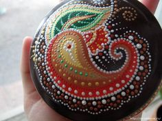 dot art | Painted stones | Pinterest