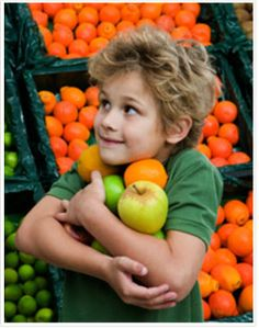 Happy Universal Children's Day!! To celebrate we are pinning this interesting little article from Kiwi Families. Here are few good tips on how to help kids make better food choices.