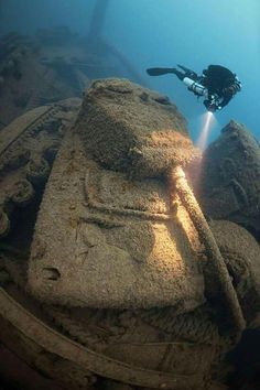 World of War Craft: Diving the Wrecks of Malin Head— Scuba Diving Magazine Abandoned Ships, Abandoned Places, Le Grand Bleu, Scuba Diving Equipment, Sea Diving, Sherman Tank, Underwater World, Underwater Ruins, Military Equipment