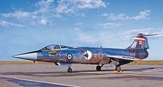 Revell-Monogram F-104G Starfighter RCAF -- Plastic Model Airplane Kit -- 1/48 Scale -- #855324