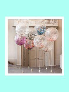 Als Kinder habe wir uns doch immer gefreut, wenn es irgendwo kostenlos einen Luftballon für uns gab. Mit diesen tollen XXL-Konfetti-Ballons tragen die Partygäste noch ein Stück von eurer Feier mit nach Hause. Dieses Geschenk lässt sich ganz einfach selber machen und vielleicht sogar noch schön beschriften (wer die Muße dazu hat). Gesehen bei notonthehighstreet.com