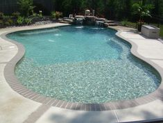 I like the curves in this pool.