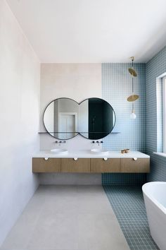It's so lovely project! with artedomus Unique tile layout of our Accordi M in this Elwood residence Pastel Bathroom, Modern Bathroom, Small Bathroom, Remodled Bathrooms, Minimalist Bathroom, Bathroom Colors, Bad Inspiration, Bathroom Inspiration, Bathroom Styling