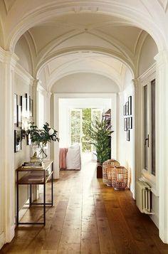 Cheap Home Decor, Diy Home Decor, Farmhouse Side Table, Small Hallways, Entry Way Design, Hallway Decorating, Decorating Ideas, Decor Ideas, Diy Ideas