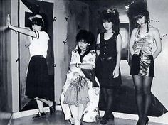 The Nurse ナース were female Japanese punk band from Tokyo. Teenage Fanclub, Japanese Punk, Anarcho Punk, Band Photos, Crazy People, Zine, Vintage Photos, Skater Skirt, Photo And Video