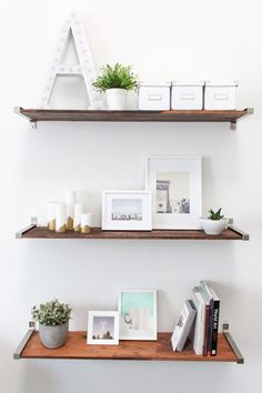 Bookmark this for 20 creative ideas for making your own DIY shelves to keep your home organized.