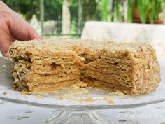 Chilean Thousand Layers Cake is the most traditional cake in Chile, layers of thin crispy dough almost cookie like and dulce de leche. Other Recipes, Sweet Recipes, Cake Recipes, Torta Chilena Recipe, Thousand Layer Cake, Chilean Recipes, Chilean Food, Cake Fillings, Sweets
