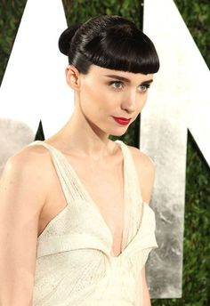 Not the biggest fan of the hair but am definitely a huge fan of her make-up. Love the severity and the fierce eyebrows.
