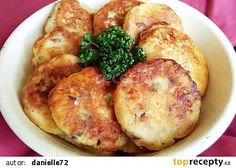 Gnocchi po česku - se zelím a slaninou Czech Recipes, Ethnic Recipes, What To Cook, Gnocchi, Bon Appetit, Baked Potato, Cooking Tips, Mashed Potatoes, Slow Cooker