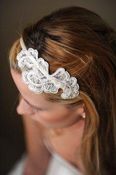 http://www.bijoux-mariage-paulette.com/IMG/jpg/bijou-serre-tete-mariee-dalphie.jpg