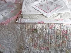 Cabin & Cottage : Summer Linen Love~ Pretty pastel quilt and linens~❥