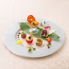 Caprese Salad Skewers, Plate Presentation, Antipasto, Culinary Arts, Food Design, Japanese Food, Afternoon Tea, Food Art, Seafood
