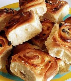Túrós, mazsolás csiga Croissant, French Toast, Pie, Sweets, Breakfast, Food, Pie And Tart, Morning Coffee, Pastel