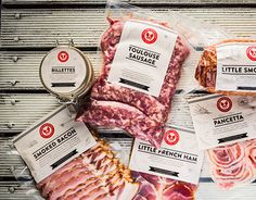 Label design for various free range pork products and event poster. Food Poster Design, Food Design, Chorizo, Carne, Carnicerias Ideas, Meat Packing, Frozen Seafood, Vacuum Packaging, Gastronomia