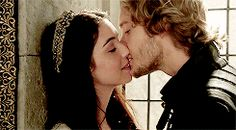 """""""And if someone catches us?"""" """"Then they will curse the stars for how much thwy wish to be us """" - Leilyn Mary Stuart, Queen Mary, King Queen, Great Love Stories, Love Story, Reign Mary And Francis, Adelaine Kane, Romantic Kiss Gif, Zendaya"""
