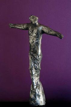Susie Prunes - Cristo Escultura em Alumínio