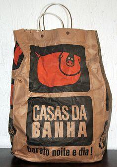 Sacola de papel do supermercado Casas da Banha. Nossa eu amava ir às casas da banha, a padaria era tudo!
