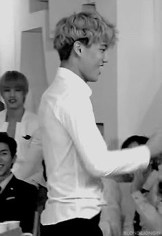 DAMN IT KAI! KIM JONG IN NO! NO STOP! STOP IT RIGHT NOW! -fangirls- For hells same Kim Jong In .____.)
