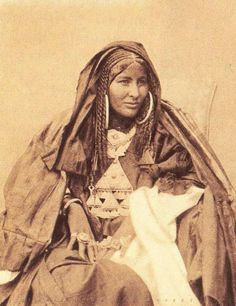 Africa | A portrait of the Tuareg poetess Dassine Oult Yemma.  (1885 - 1930.  Hoggar) Southern Algeria  | Photographer and date not provided at the source