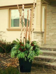 winter urn - contemporary - exterior - toronto - earth and sole