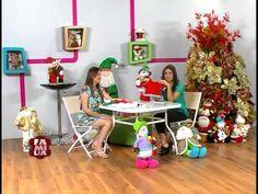 montserrat rodriguez estevez shared a video Diy Christmas Door Decorations, Christmas Window Display, Christmas Humor, Christmas Diy, Xmas, Holiday, Holly Wreath, Corner Garden, Felt Ornaments