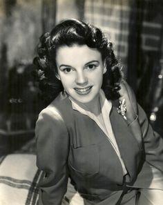 Judy Garland, 1942