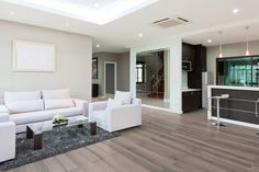 Szinkronnyomott felületű, körbe fózolt, AC4-es kopásállóságú, minőségi laminált padló