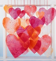 Crayon hearts - Pretty and easy to do! Here's how: http://www.rewards4mom.com/fun-valentines-day-crafts-projects-kids-will-love/