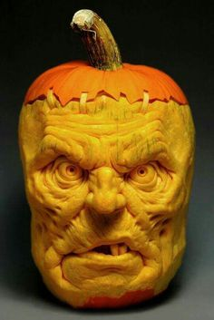 Is this one of the best pumpkin carvings you've seen this Halloween? Happy Halloween everyone! Awesome Pumpkin Carvings, Scary Pumpkin Carving, Pumpkin Art, Best Pumpkin, Pumpkin Head, Pumpkin Faces, Diy Halloween, Theme Halloween, Halloween Pumpkins