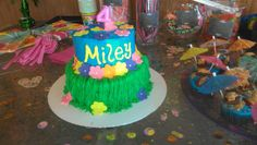 Girl' s luau birthday cake Summer themed birthday, Sumner party beach party