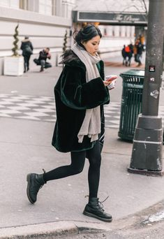 New Boots Outfit Fall Doc Martens Ideas Trendy Fall Outfits, Style Outfits, Mode Outfits, Spring Outfits, Fashion Outfits, Womens Fashion, Fashion Trends, Outfit Summer, Travel Outfits