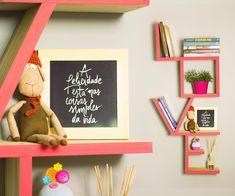 Vamos começar essa manhã de quinta com VIDEO NOVOO 💗💗💗 E é claro com muito amor nesse DIY de prateleira LOVE!! Se você quer aprender o passo a passo é só conferir no canal www.youtube.com/diycore 💕 #amor #arte #arquitetura #video #DIY #youtube #prateleiras #shelf #blog #cor #casa #cores #decor #design #decoração #decoracion #decoration #home #homemade #homedecor #homedesign #homesweethome #instagood #instahome #instalove #instadecor #instaphoto #lar