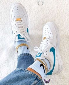 Outfit idea - Streetwear - Nike Sweat - Outfit -  Outfit idea – Streetwear – Nike Sweat – Outfit, #idea #Nike #Outfit #Streetwear #Sweat Source by schuhideen0974  -<br> Moda Sneakers, Sneakers Mode, Sneakers Adidas, Shoes Sneakers, Air Force Sneakers, Kicks Shoes, Mens Trainers, Nike Sweats Outfit, Tennis Shoes Outfit