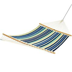 This canvas hammock is mold- and mildew-resistant.