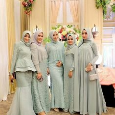 Elegant And Cozy Family Uniform For Wedding Party 17 Dress Muslim Modern, Kebaya Modern Dress, Muslim Dress, Muslim Hijab, Dress Brukat, Hijab Dress Party, Muslimah Wedding Dress, Hijab Wedding Dresses, Ivory Bridesmaid Dresses