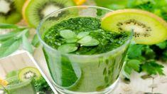 Το smoothie που ανακουφίζει το στομάχι σου όταν τρως παραπάνω Keeping Healthy, Get Healthy, Healthy Scalp, Weight Loss Tips, Lose Weight, Free Diet Plans, Green Juice Recipes, Green Superfood, Best Detox