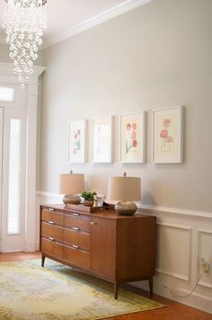 Benjamin Moore Gray Owl, one of the best neutral paint colours for home staging. Shown in entryway