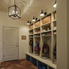 Diy mudroom lockers one day pinterest entrada de for Taquillas vestuarios ikea