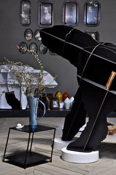 JOE black bookshelf by ibride #ibride #design #interior #decoration #animal #furniture #home #bookshelf www.ibride.fr
