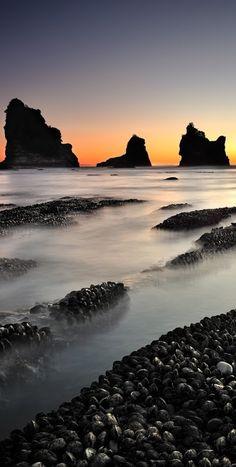 Motukiekie Rocks, about 17 km north of Greymouth, West Coast, The South Island, New Zealand